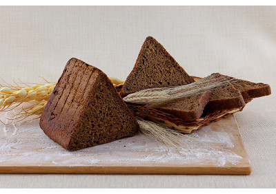 Хлеб заварной с изюмом (нарез.)